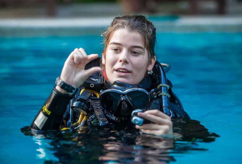 Learning Scuba Hand Signals